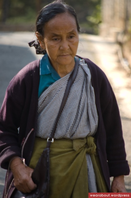kong khasi woman street fashion